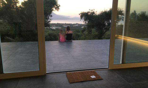 Endelig bor vi i huset på Kreta!!!